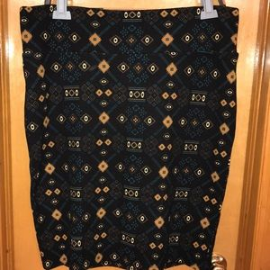 Black skirt with Aztec print